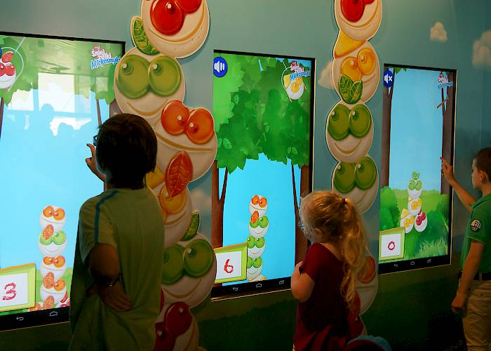 Game for kids on touchscreens