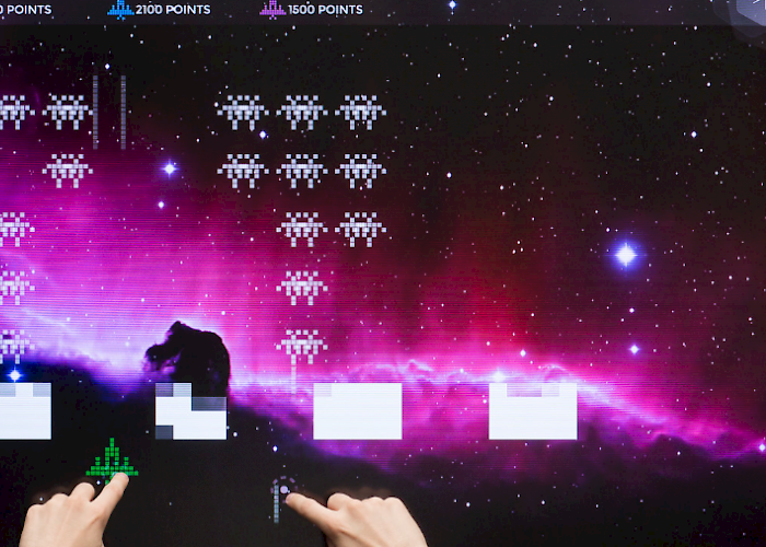 Interactive game Aliens on a touchscreen