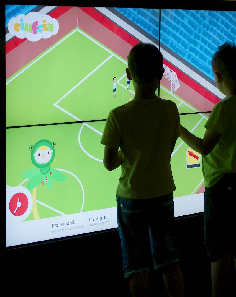 Multitouch screen with interactive app for kids