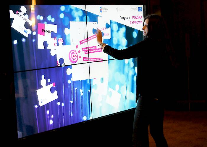 Multitouch wall - interactive presentation of Digital Poland program