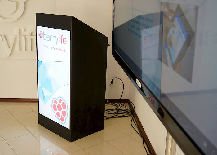 Multimedia stand - additional screen on the front