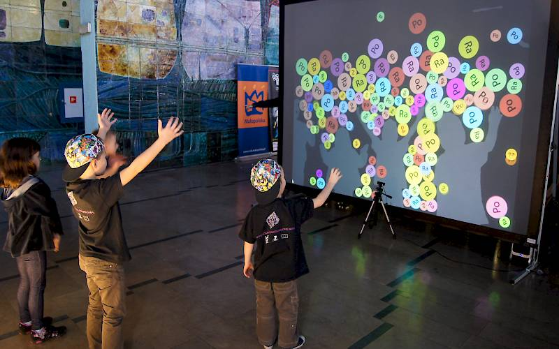 Interactive wall with educational game