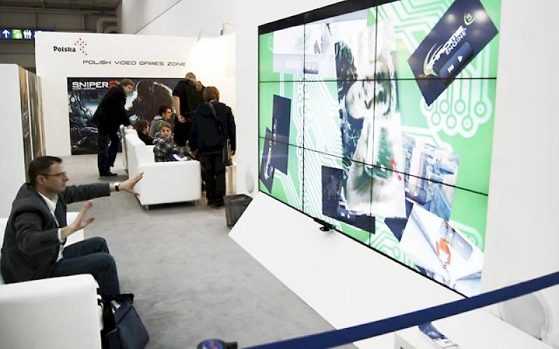 Videowall with Kinect technology