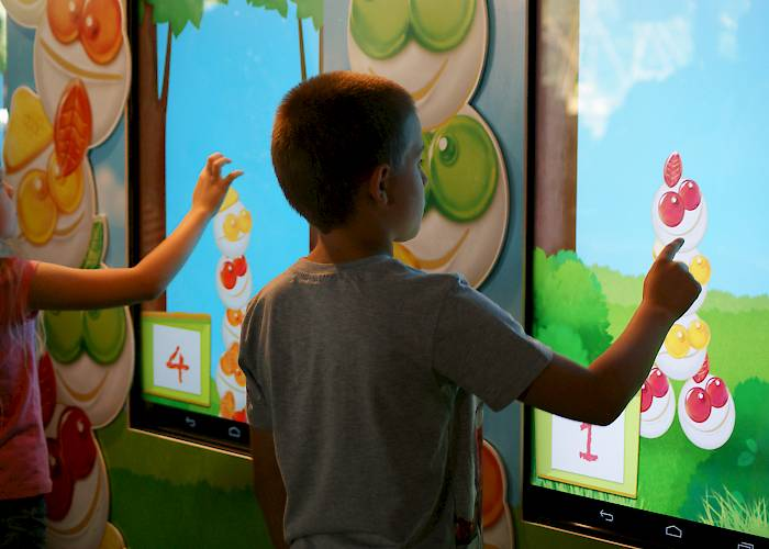 Duckie Deck Kids' Fest - touch screens with game