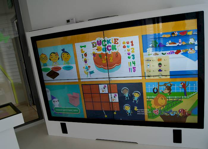 Interactive room in Pod Magnolią kindergarten - interactive videowall 2x2