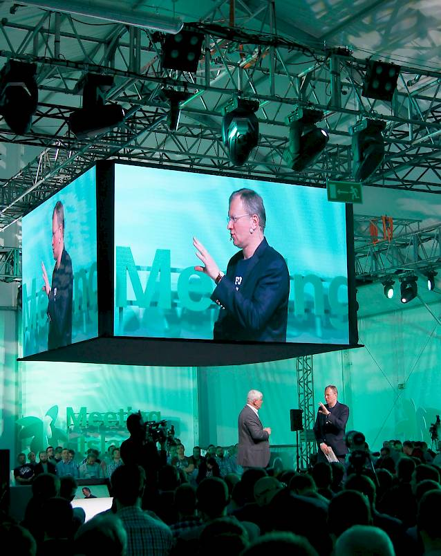 Cisco Forum 2016 - plenary session - LED screen