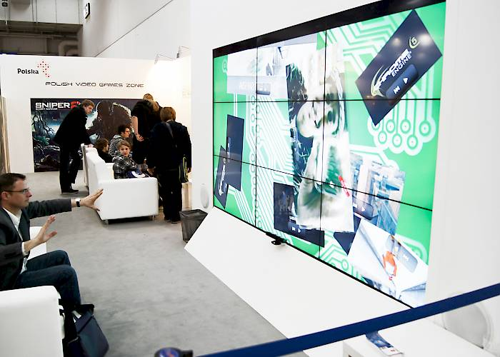 CeBIT - videowall with Kinect app