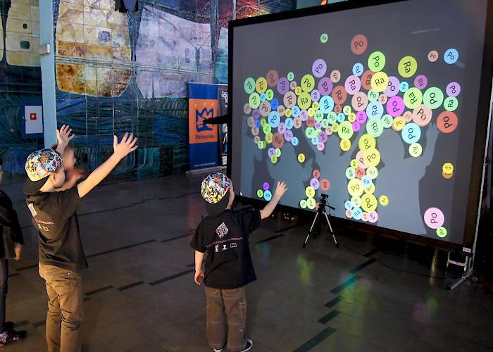 Night of Scientists - Kinect interactive wall