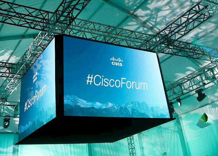 CiscoForum 2016 - LED screen in cube shape